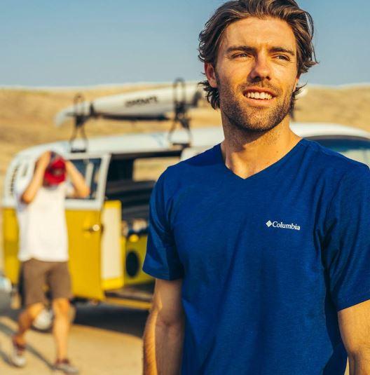 f61b61a4288 Vyprodáváme trička Columbia! Nyní nakoupíte vybrané modely za poloviční  cenu. Trička patří mezi základní oblečení